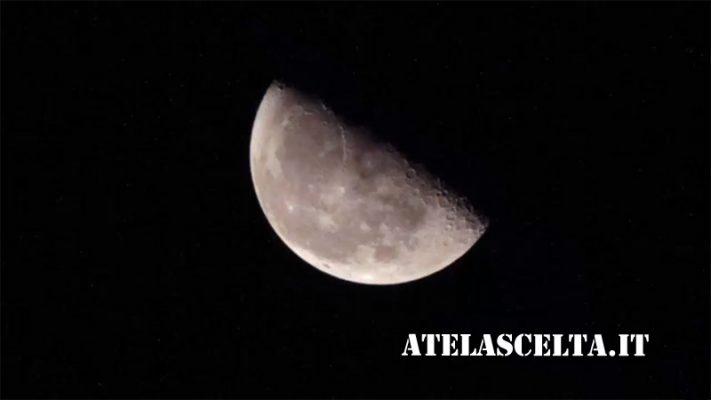 Fotografare La Luna Con Il Cellulare A Te La Scelta